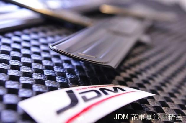 黑鈦絲 迎賓踏板 2